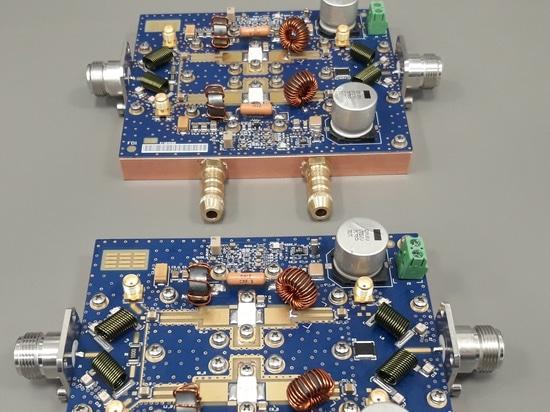 Montaje completo del amplificador de potencia del RF en el ISMO 27MHz para la calefacción industrial