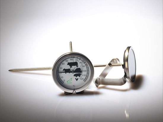 Instalación de termómetros bimetálicos con conexión trasera e inferior