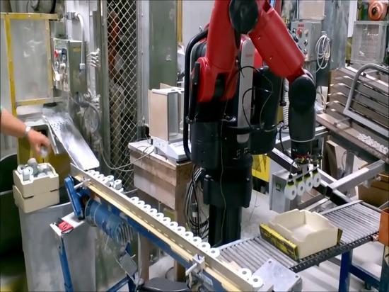 Baxter Robot Helps con el empaquetado en la cerámica Du-Co