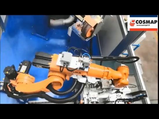 Área robotizada con carga y descarga automática