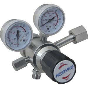 regulador de presión para gas corrosivo / de 2 etapas / de aguja / de latón cromado
