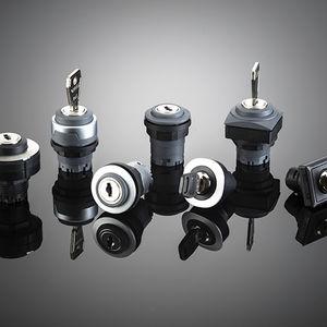 botón pulsador de llave / estándar / montado en panel / industrial