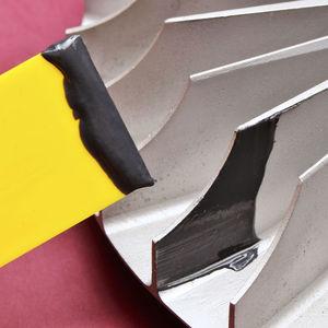 resina epoxi cargada de metal