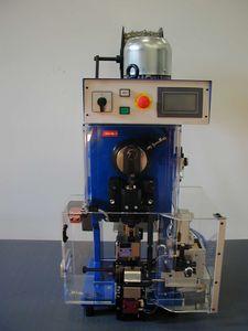 prensa desforradora y aplicadora de sellos de cables / automática / neumática