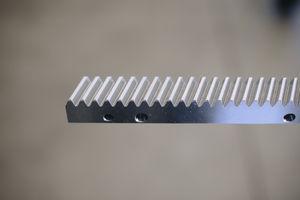 cremallera de dientes helicoidales / de precisión / mecanizada