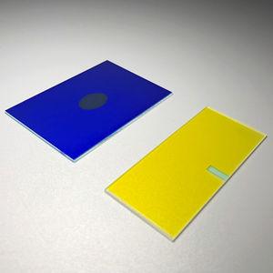filtro óptico coloreado