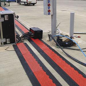 protector para cable para suelo / para el paso de vehículos / de poliuretano