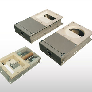 válvula de corredera / con control neumático / de control de caudal / con doble brida