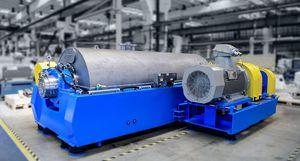 decantador para el reciclaje de plástico / centrífugo / horizontal