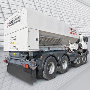 pulverizador para ligante montado sobre camión