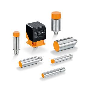 sensor de proximidad con interfaz IO-Link / inductivo / cilíndrico roscado / rectangular