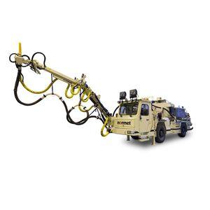 máquina de proyección hormigón / sobre brazo articulado