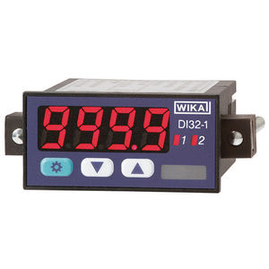 indicador universal / digital / para montaje sobre panel / enchufable