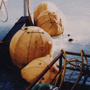 paracaída submarino