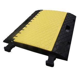 protector para cable para el paso de vehículos / de poliuretano