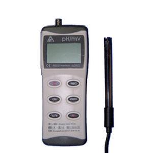 pHmetro portátil / de laboratorio / de agua pura / con compensación automática de temperatura