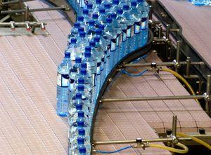 transportador de puesta en fila / de banda / para botellas de plástico / para botellas de vidrio