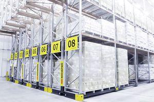 sistema de estanterías móvil / con paleta / para cargas pesadas / para carga alargada