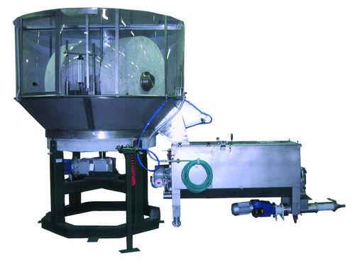 molino de muela / horizontal / residuos varios / cilíndrico