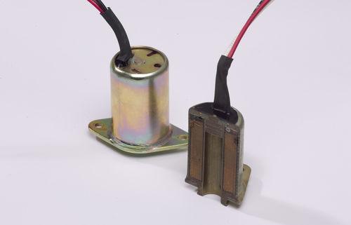 cola epoxi / para metal / monocomponente / de alta temperatura