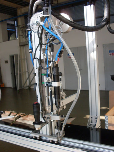 máquina de atornillado semiautomática