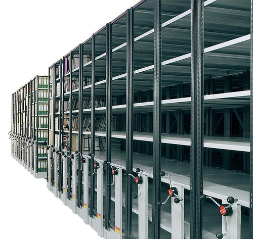 sistema de estanterías depósito de almacenamiento / para documentos / móvil