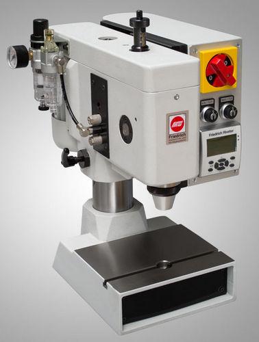 máquina de remachado neumática / radial / de sobremesa