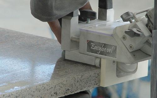 achaflanadora eléctrica / portátil / de precisión / con ángulo ajustable
