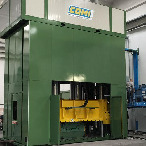 prensa de compresión / hidráulica / vertical / para materiales compuestos