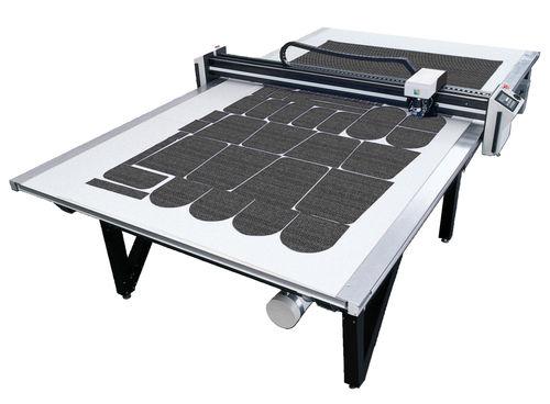 máquina de corte para textiles / con cutter / CNC / para materiales multicapa