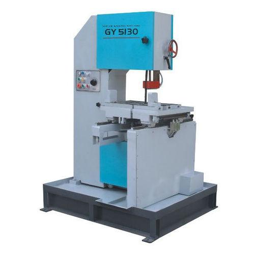 sierra de cinta / para acero / para PVC / vertical