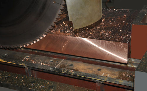 sierra circular / para metales / con transportador de rodillos / de velocidad variable