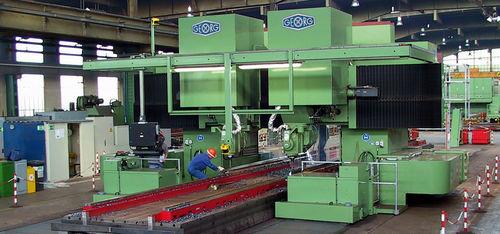 taladradora-fresadora CNC / 5 ejes