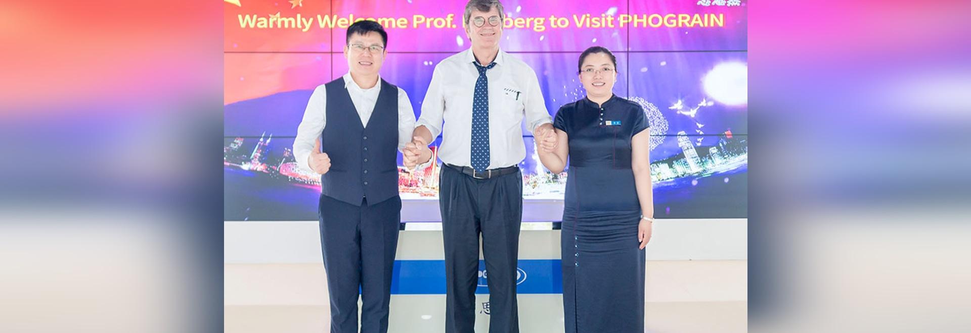 Bienvenido Prof. Dieter Bimberg Visitando PHOGRAIN