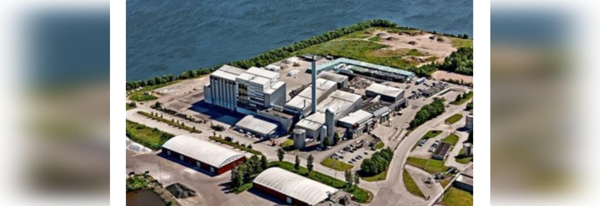 La caldera convierte los residuos en vapor industrial, electricidad