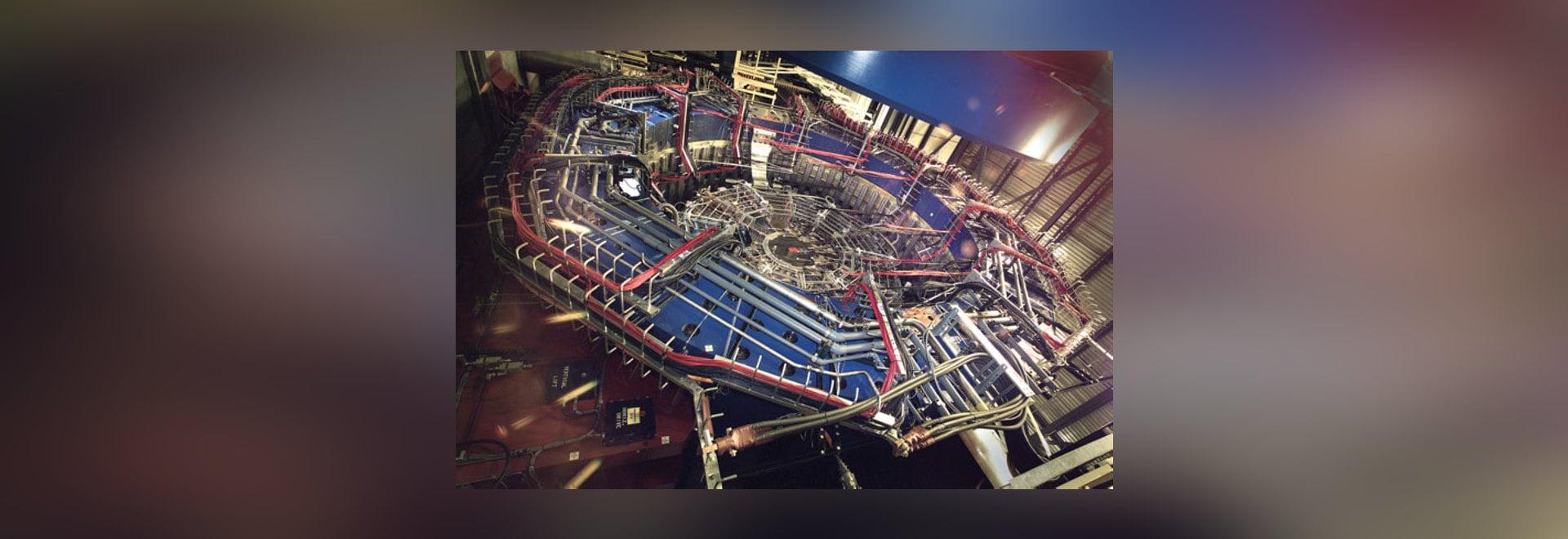 El detector de la ESTRELLA es parte del Collider pesado relativista del ion (RHIC) situado en el laboratorio nacional de Brookhaven. (Cortesía del laboratorio nacional de Brookhaven)