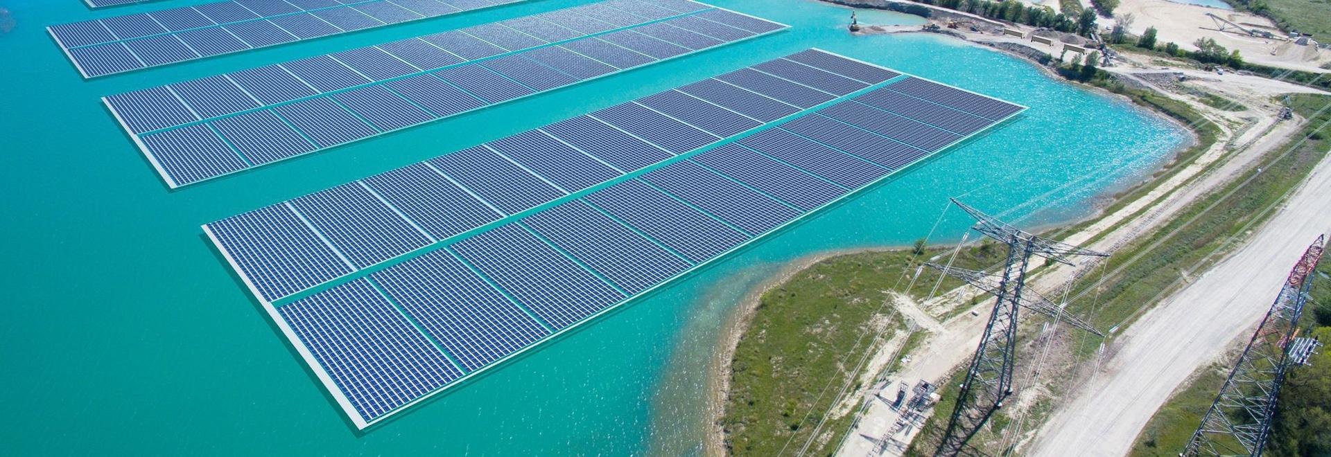 La energía de Akuo pone en marcha la construcción de 17 MW que flotan la planta solar en Francia