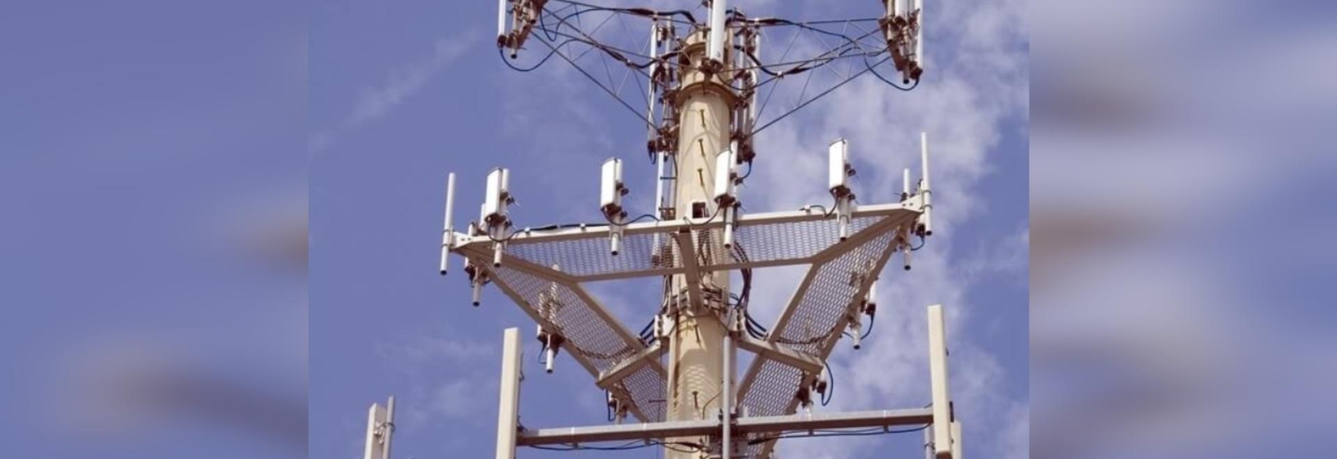 Entrega la ayuda a la industria de las telecomunicaciones con recintos