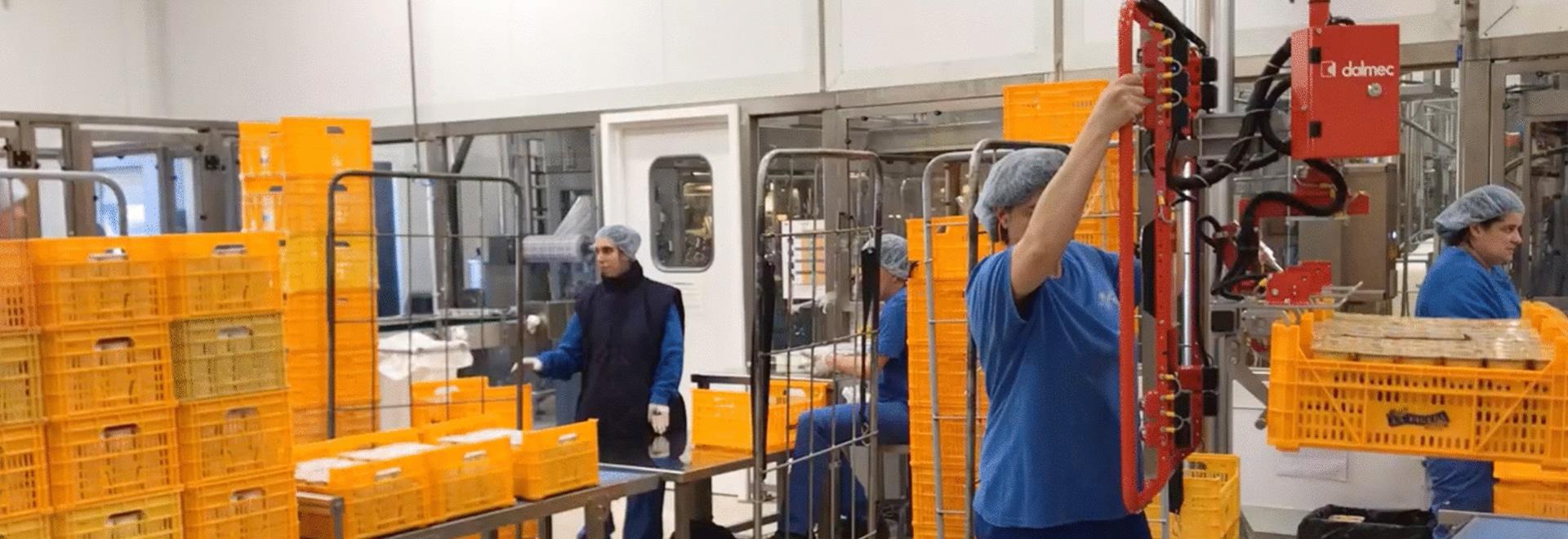 Manipuladores Industriales Partner Equo para contenedores de plastico