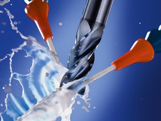 El lubricante refrigerante de alto rendimiento y miscible con agua NOVAMET 920 de Oemeta se produce a partir de ingredientes modernos e innovadores y no contiene biocidas ni formaldehído.