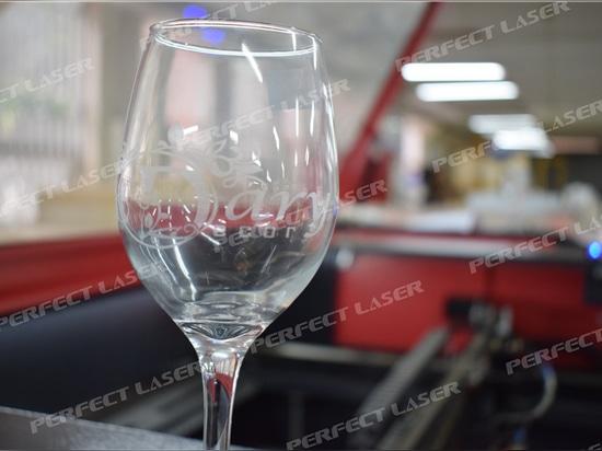 ¿Cómo hacer el grabado de vasos de vidrio para principiantes?