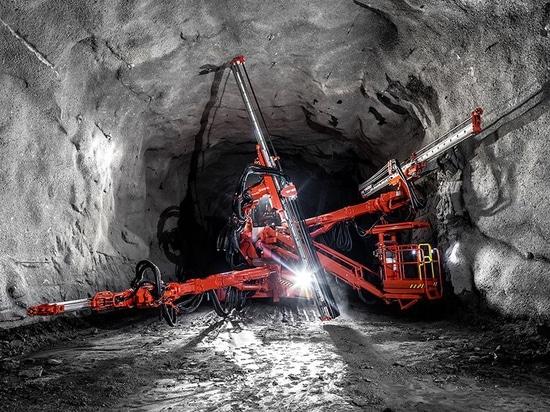 Sandvik lanza el jumbo de tunelización DT1132i