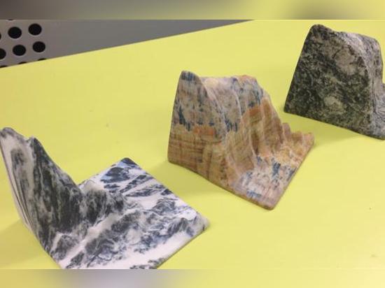 Los paisajes majestuosos en capas del granito, del cuarzo y de la piedra arenisca imprimieron en una impresora 3D del proyecto 660 de los sistemas 3D