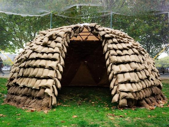 los abejones de Fango-rociadura construyen el prototipo para los hogares de la emergencia