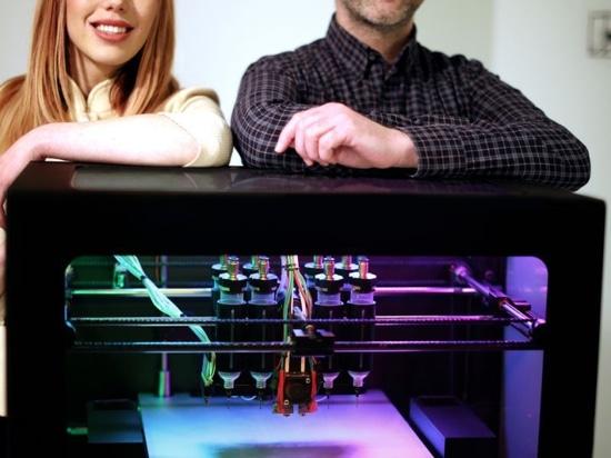 Socios de Procter & Gamble con éter en la impresión 3D y la inteligencia artificial